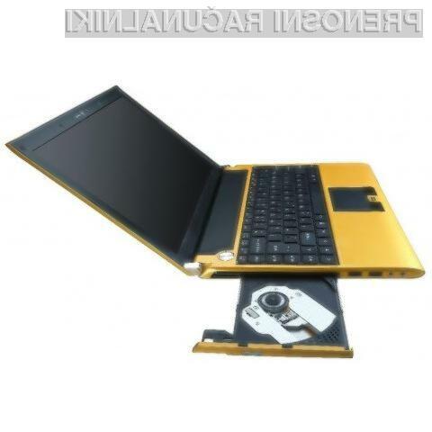 Kompaktni prenosni računalnik Tongfang S30A.