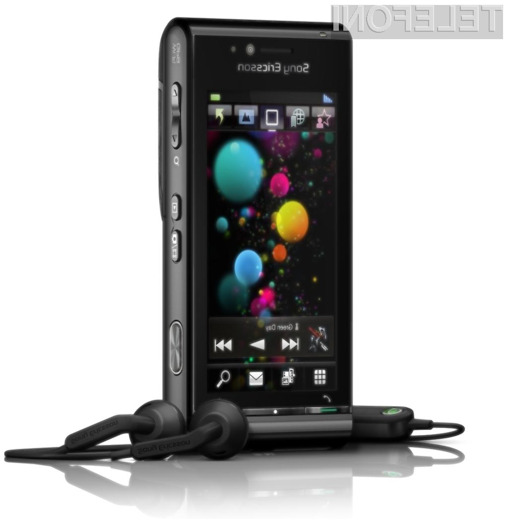 Napaki Sony Ericssonovih mobilnikov sta prišli v zares nepravem času.