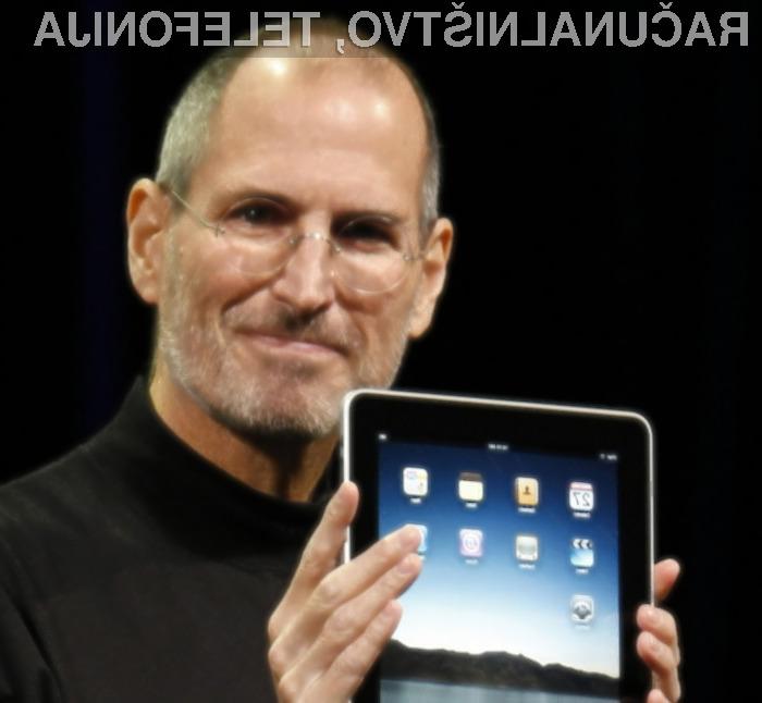 Steve Jobs je s prodajo iPada lahko zadovoljen.