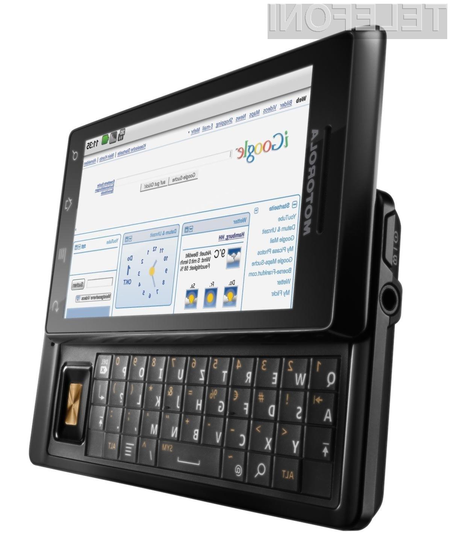 Z mobilnikom MILESTONE je Motorola zadela v polno.