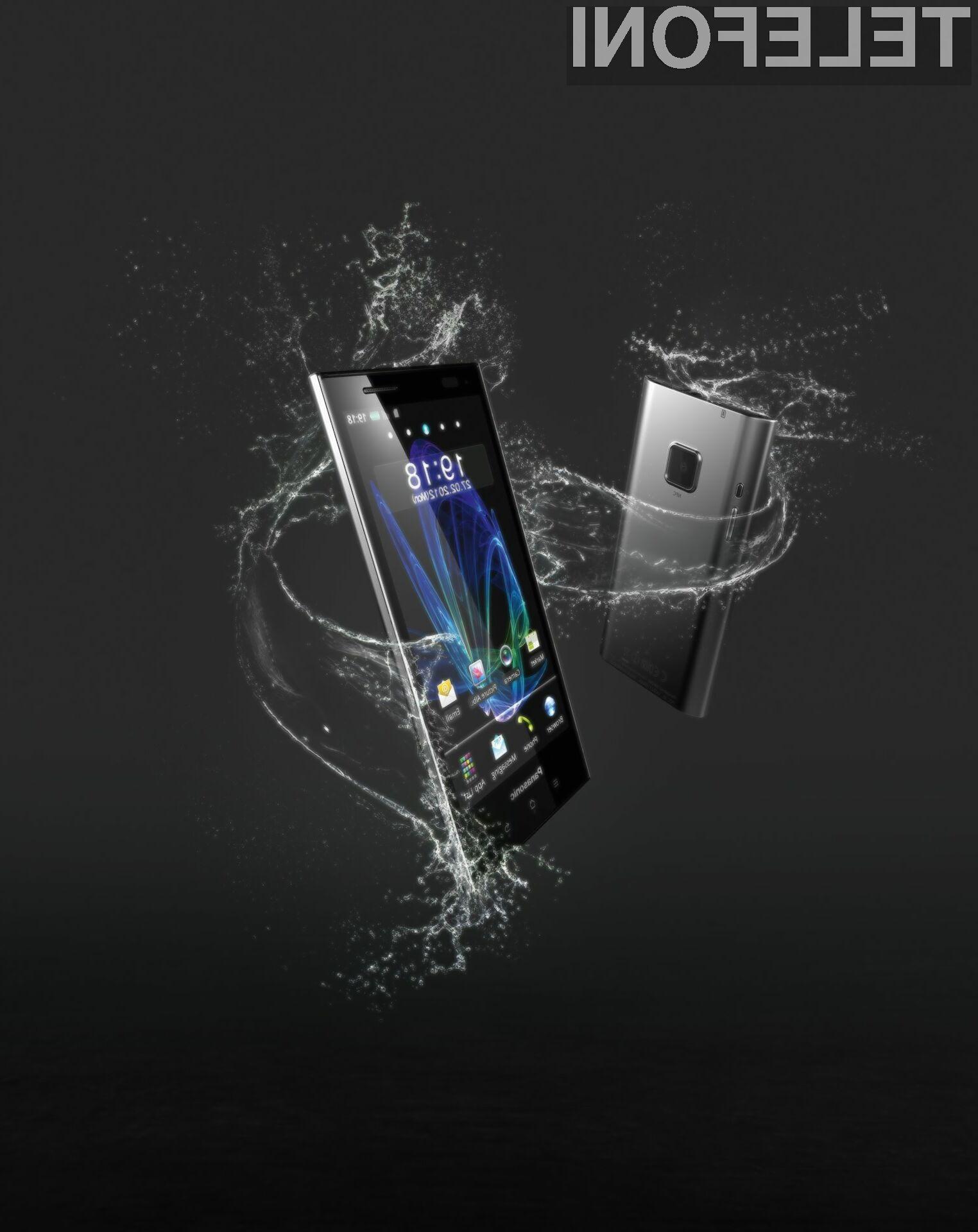 Pameten telefon Eluga se ponaša s posebej prilagojenim uporabniškim vmesnikom in nekaterimi zanimivimi vnaprej nameščenimi aplikacijami.