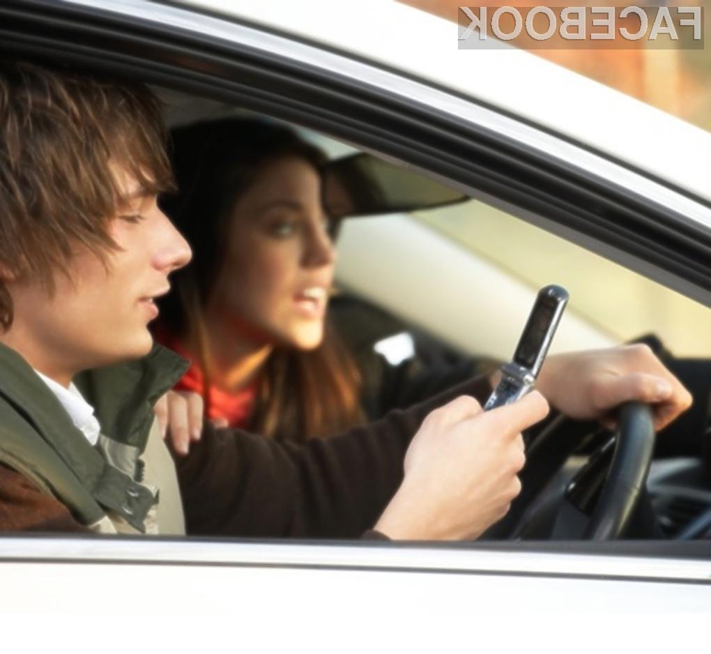 Če med vožnjo pišete in prebirate SMS sporočila, je verjetnost nesreče kar 24-krat večja!
