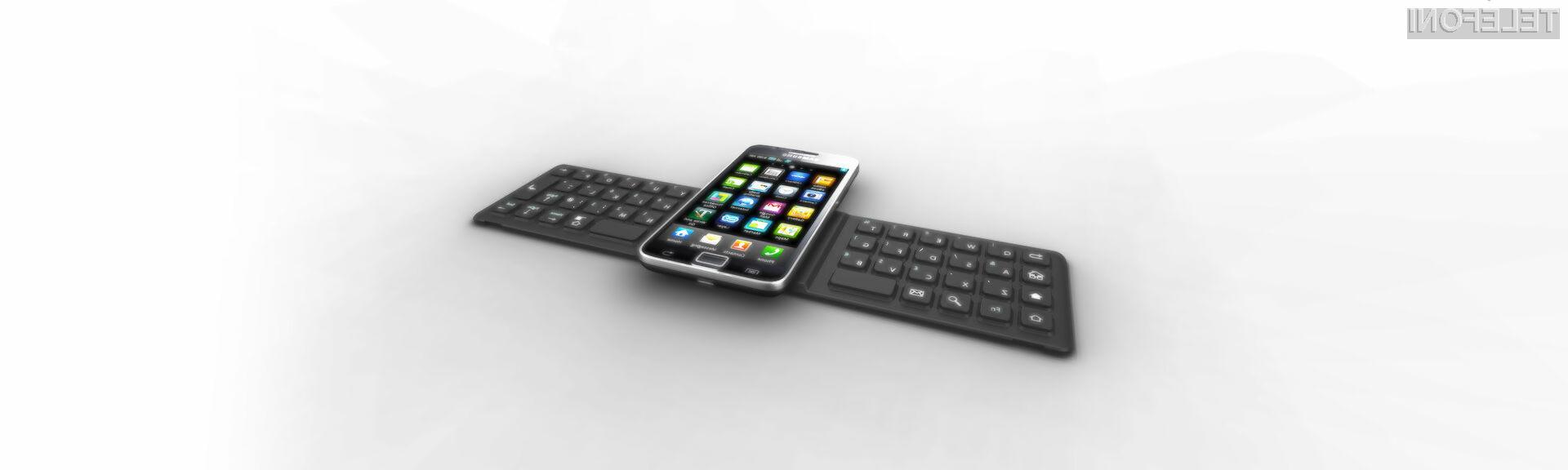 Se vam ob pisanju SMS sporočil rado zatika? Uporabite tipkovnico.