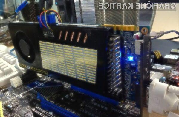 Standardna dolžina vezja grafične kartice GTX 670 se giblje vse do napetostnih konektorjev na vrhu, medtem ko je preostanek namenjen različnim sistemom hlajenja.