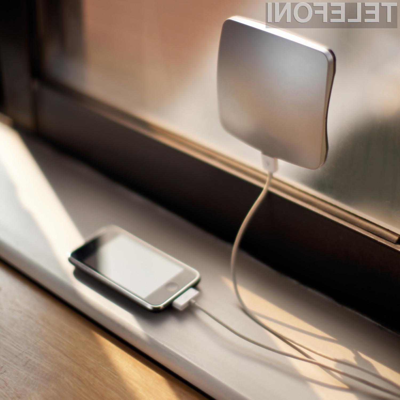 XDModo - solarni polnilnik, ki se prilepi na steklo je kompakten vir električne energije, ki bo dovolj močan, da boste lahko napolnili vaš iPhone, iPad, Android telefon ali katero koli drugo USB napravo, ki zahteva polnjenje.