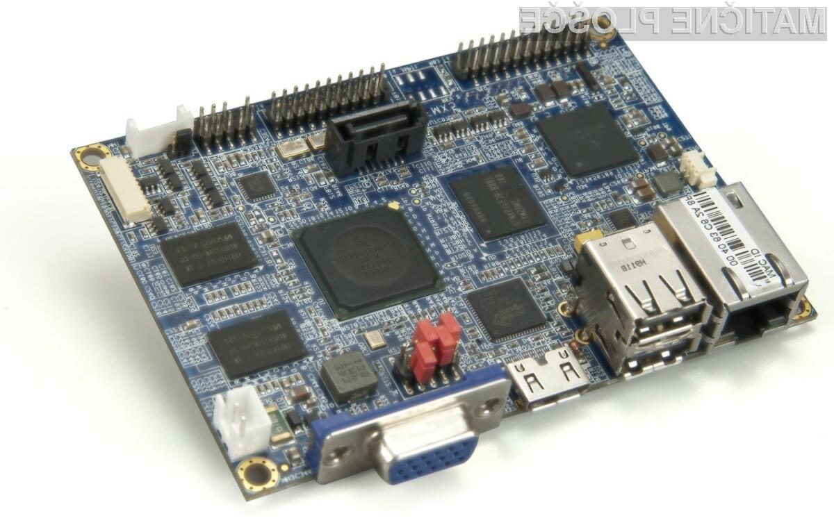 Plošča VIA VAB-800 je namenjena predvsem industrijskim računalnikom, različnim avtomatom in avtomobilskim multimedijskim sistemom.
