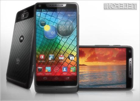 Motorola Razr i: Androidov mobilnik z močjo procesorja Intel!