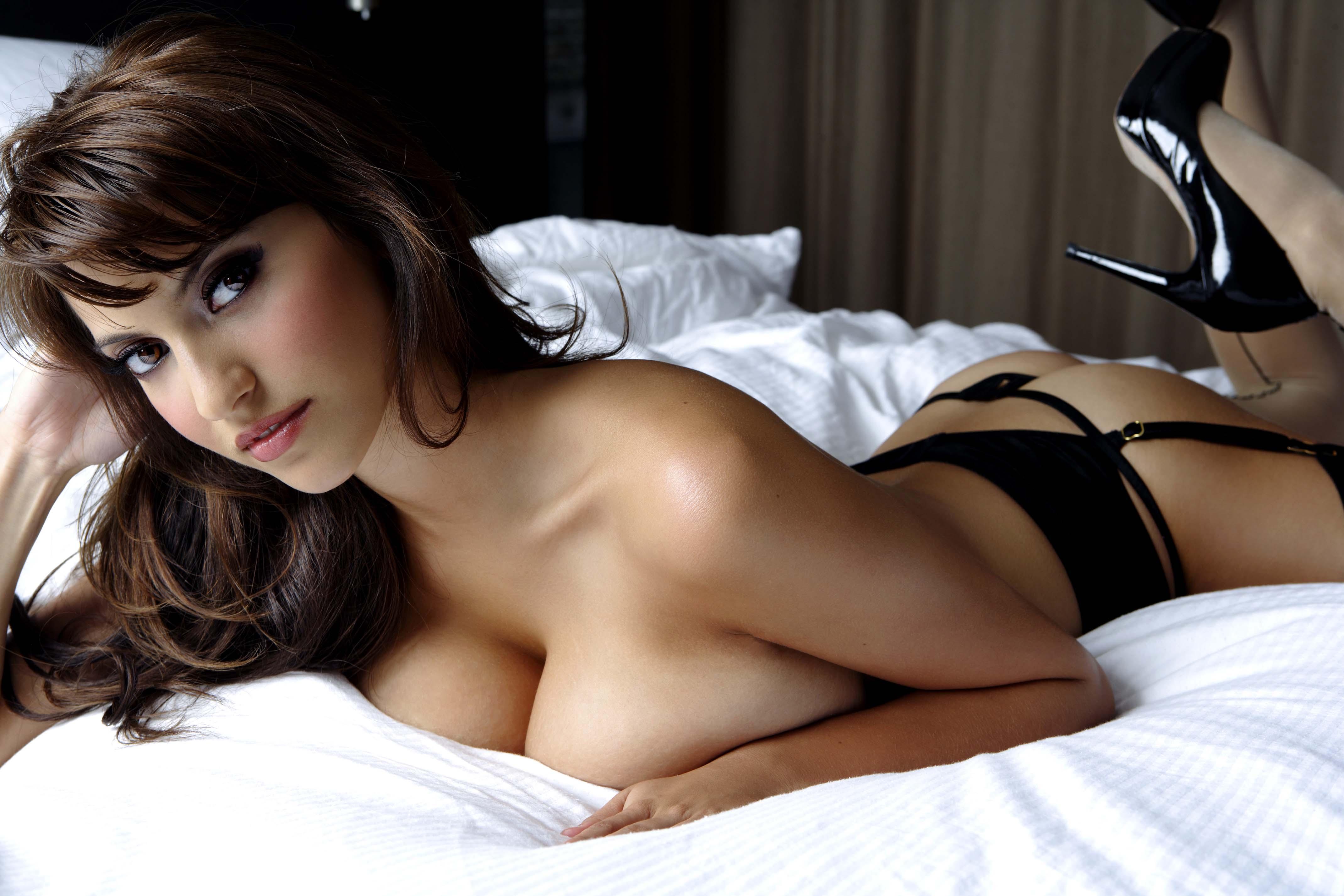 58% moških v enem mescu do spolnega odnosa preko spleta!