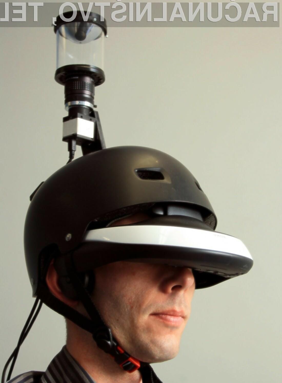 Čelada, s pomočjo katere lahko spremljamo tudi situacijo za našim hrbtom.