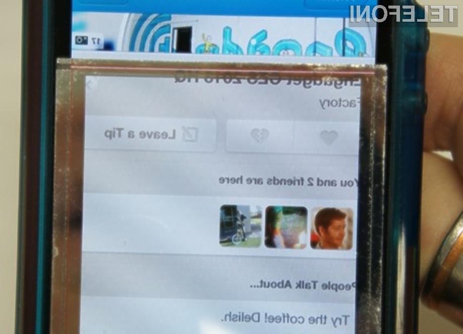 Polnjenje mobilnika kar preko zaslona