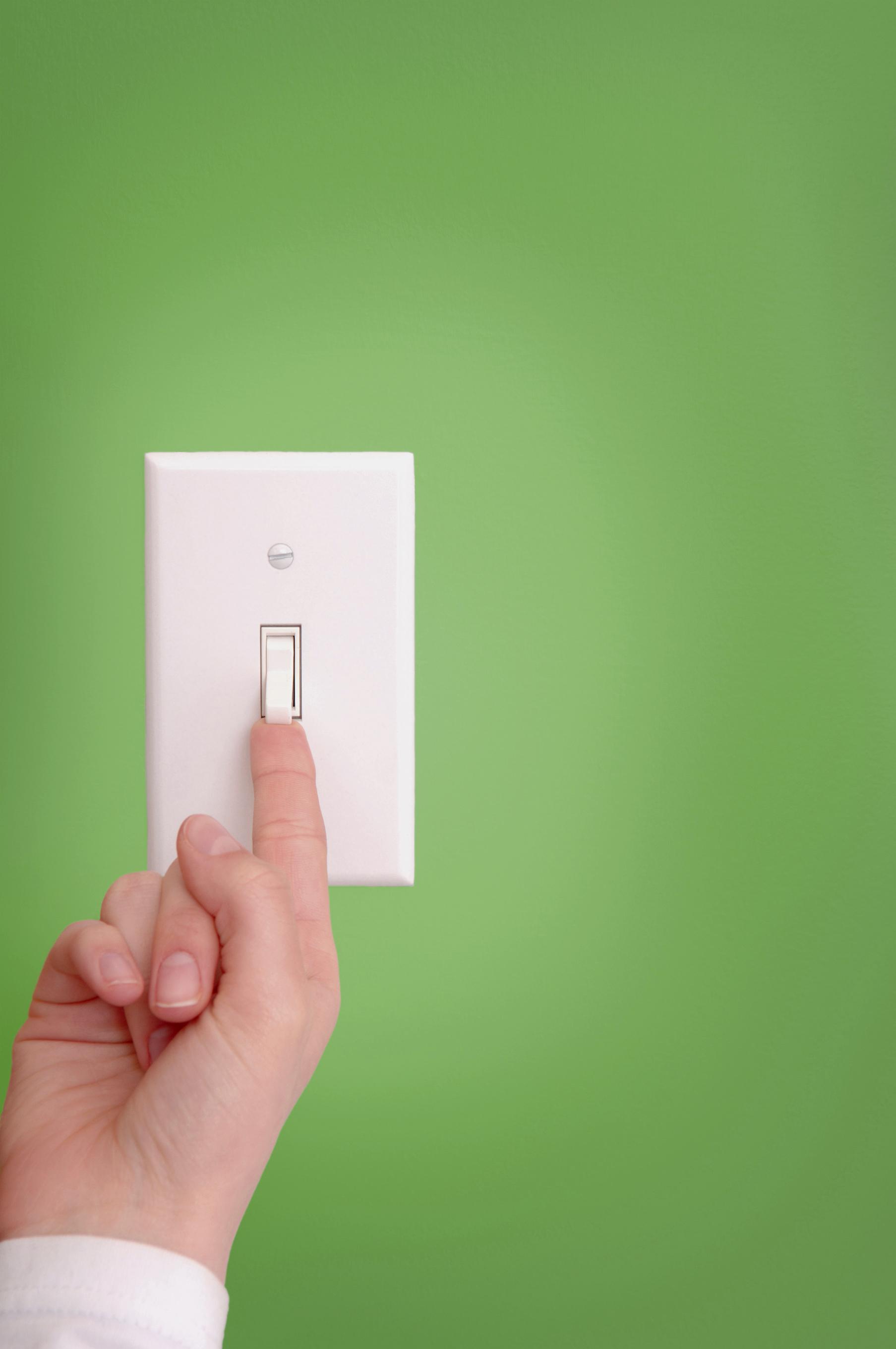 Kompaktne fluorescenčne svetilke so izredno energijsko varčne, a občutljive na zaporedno ugašanje in prižiganje.