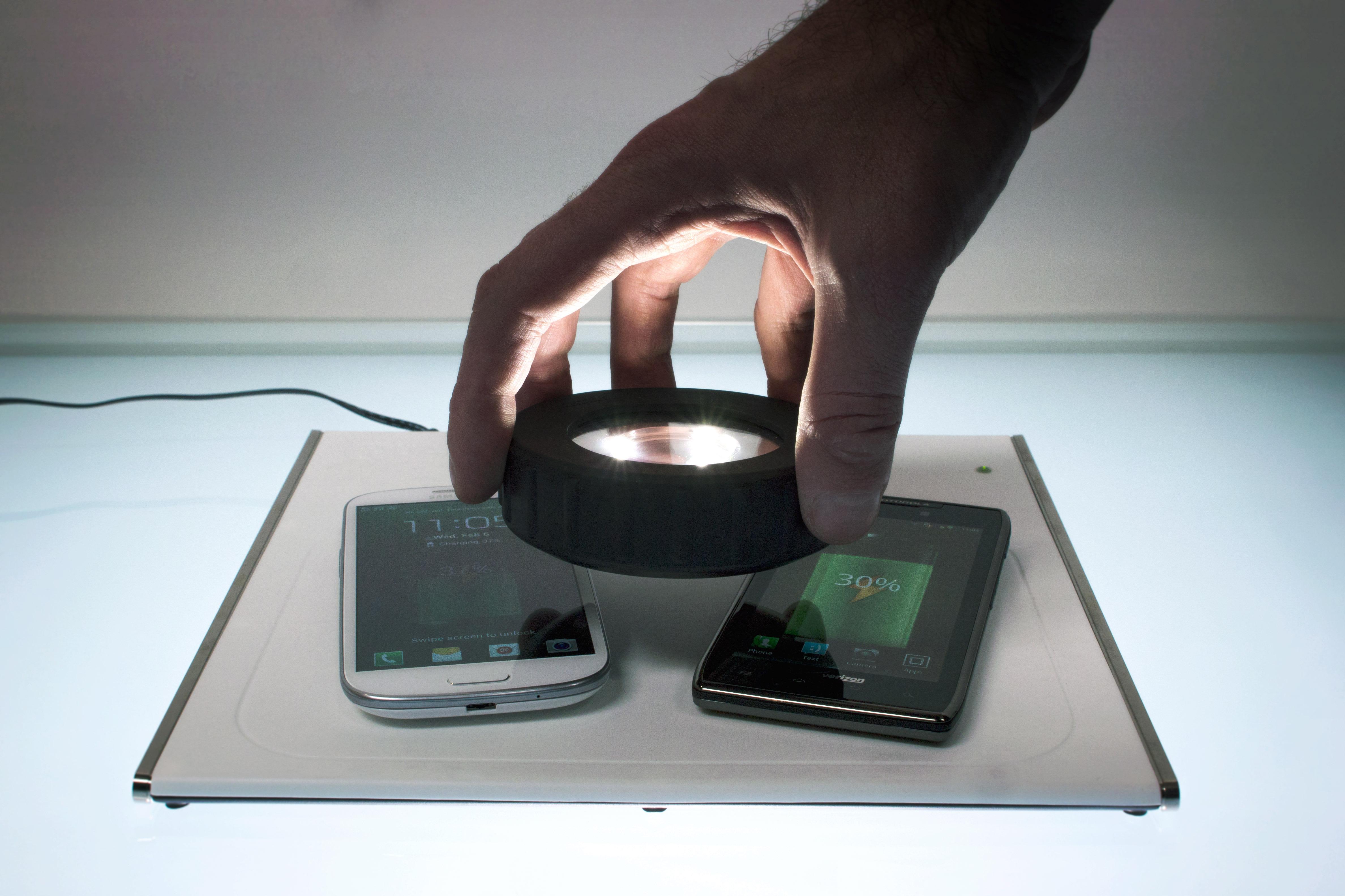 Brezžični polnilec Qualcomm WiPower naj bi ponujal boljšo uporabniško izkušnjo od zdajšnjih primerljivih naprav.