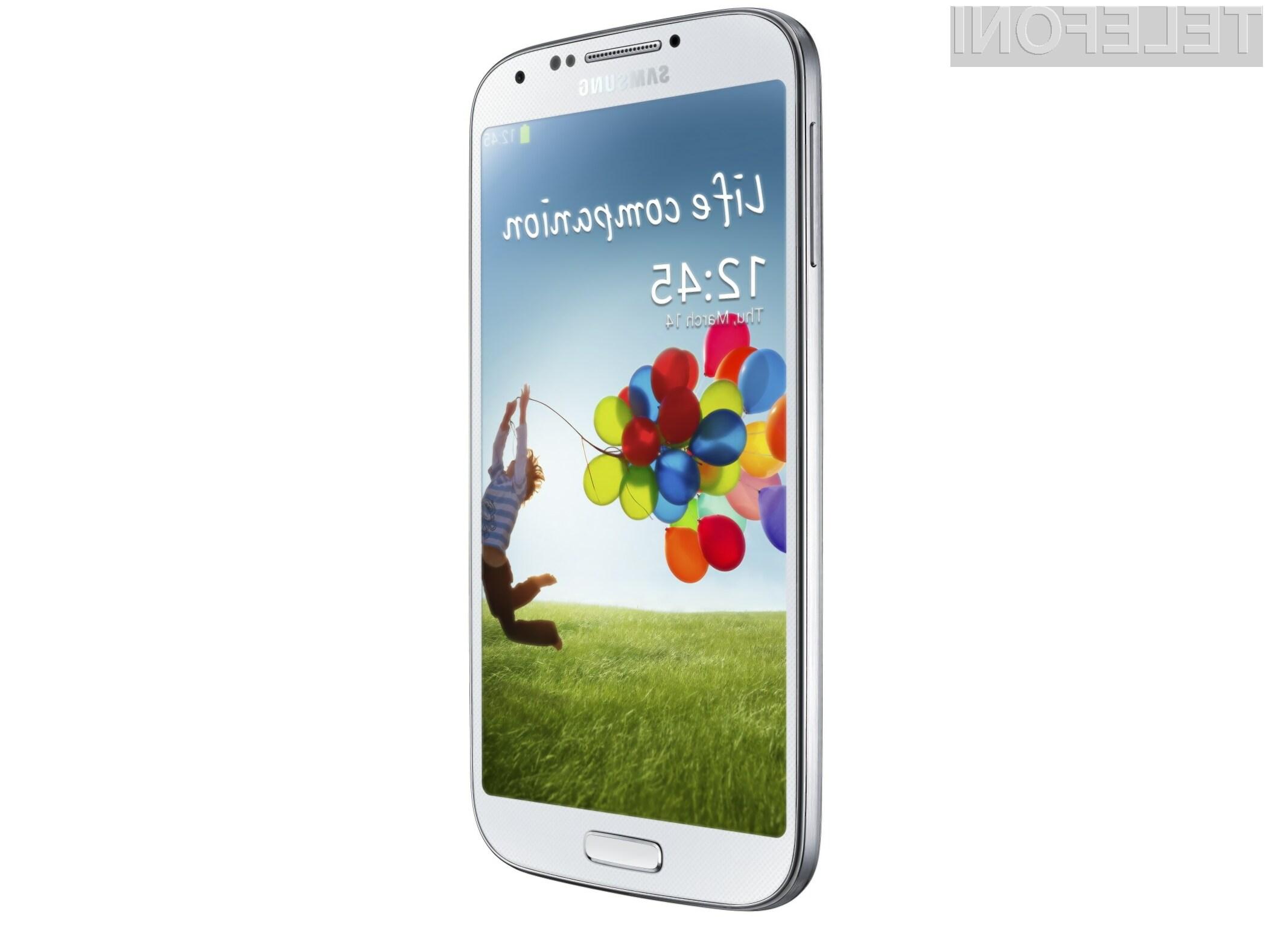 Samsung Galaxy S4 se lahko pohvali z izredno velikim zaslonom.