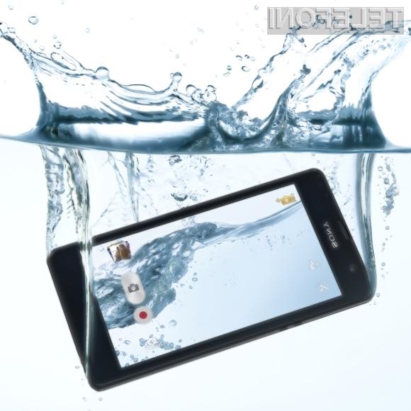 Pametnemu mobilnemu telefonu Sony Xperia ZR nič ne more do živega!