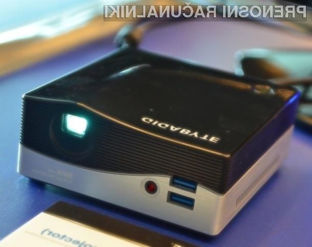 Kompaktni računalnik Gigabyte BRIX z vgrajenim projektorjem je na sejmu Computex požel veliko pozitivnih kritik.
