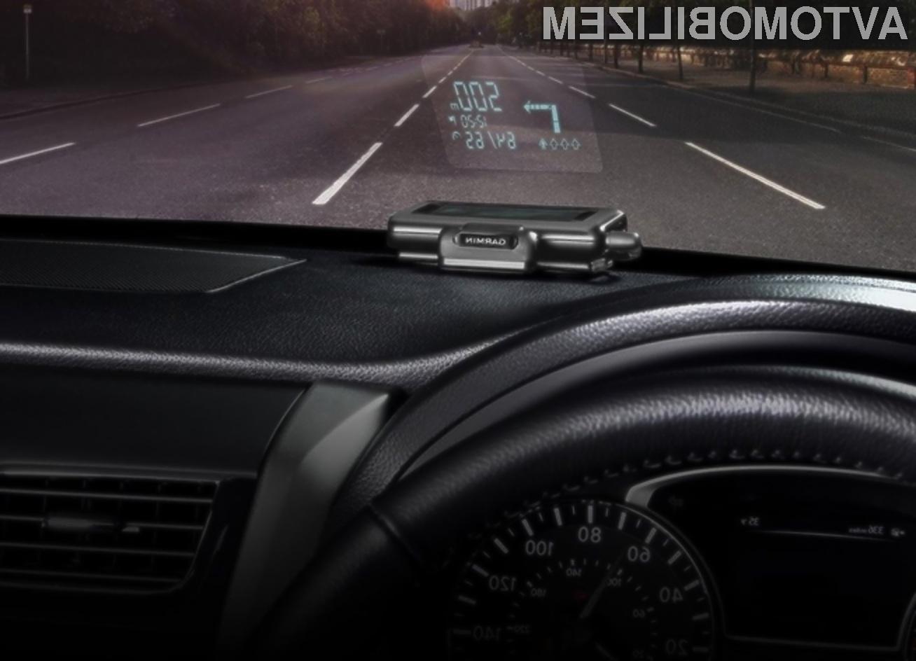 Garmin HUD je za voznika povsem varen navigacijski sistem.