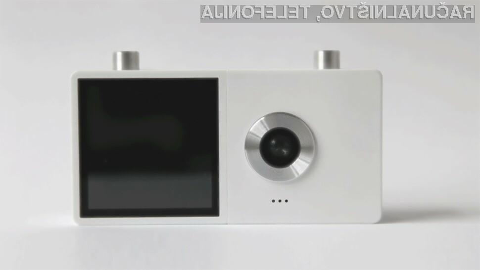 Digitalni fotoaparat Duo v eni napravi združuje uporabnosti in inovativnost!