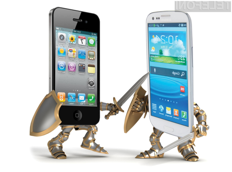 Samsung je pri prodaji pametnih mobilnih telefonov precej bolj uspešen od konkurenčnega podjetja Apple.
