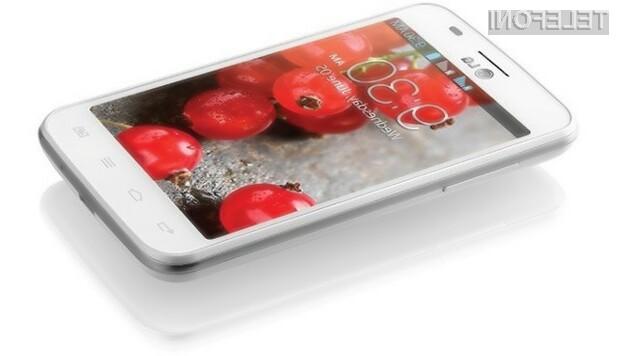 Pametna mobilna telefona Android s podporo za tri telefonske kartice SIM bosta pisana na kožo predvsem tistim, ki veliko potujejo.