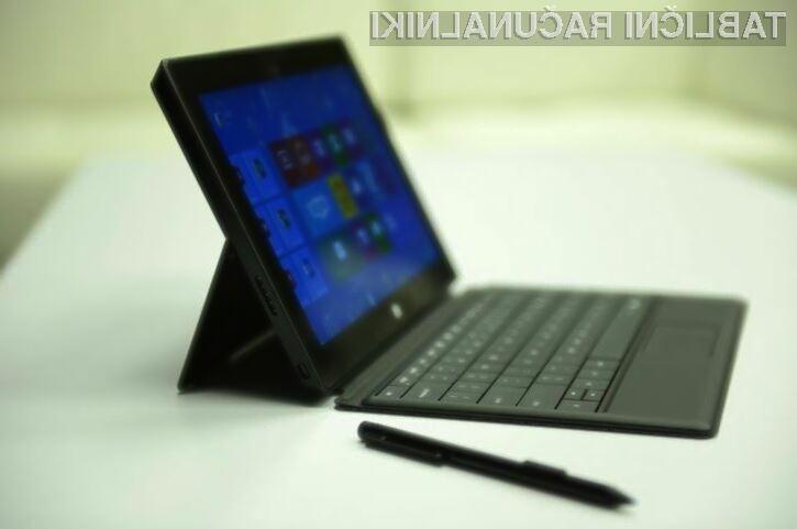 Microsoft naj bi manjši tablični računalnik Surface ponudil v prodajo še pred koncem leta.