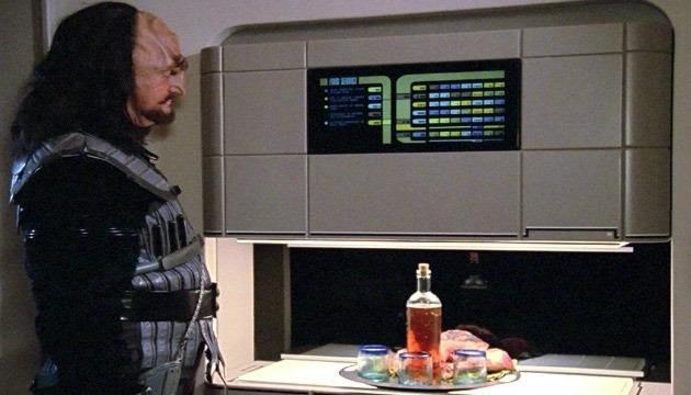 Replikator v priljubljeni znanstveno-fantastični seriji Star Trek lahko ustvari hrano in pijačo.