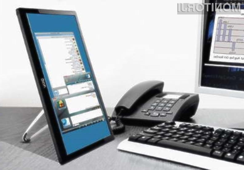 Zaslon AOC E1659FWU za prikazovanje slik potrebuje zgolj priključek USB!