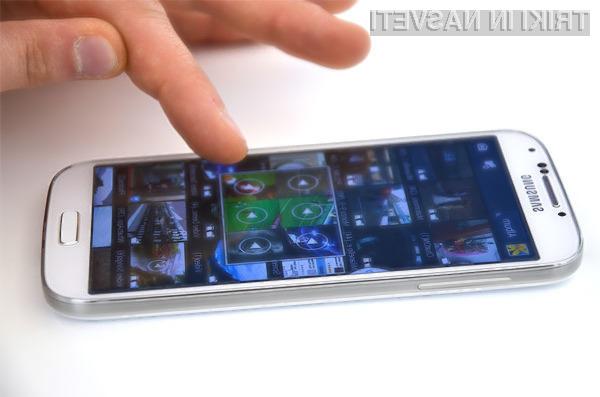 Lastniki mobilnikov Samsung Galaxy S4 kupljenih v prosti prodaji bodo nadgradnjo na Android 4.3 prejeli do konca oktobra.