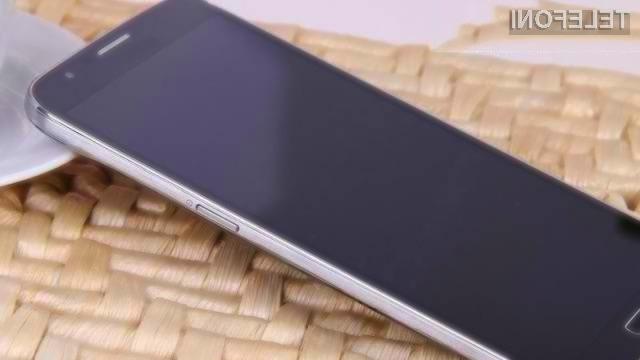 Zaslon pametnega mobilnega telefona Samsung Galaxy S5 bo kot nalašč za predvajanje večpredstavnostnih vsebin!