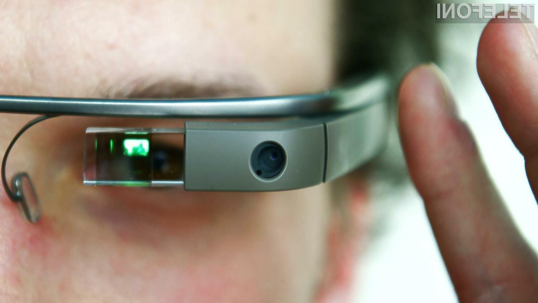 Google bp s prodajo večpredstavnostnih očal Glass v žep pospravil ogromno denarja.