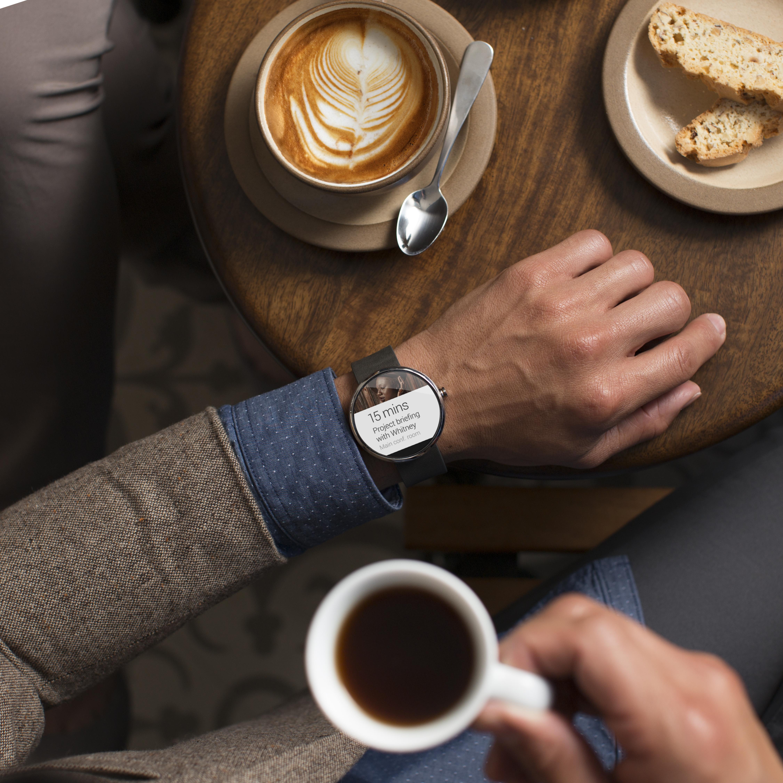 Pametna ročna ura Motorola Moto 360 bo zlahka prepričala tudi najzahtevnejše uporabnike.