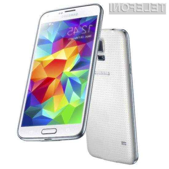 Kupce pametnega mobilnega telefona Samsung Galaxy S5 so prepričali tako bogata strojna oprema kot napredne možnosti!