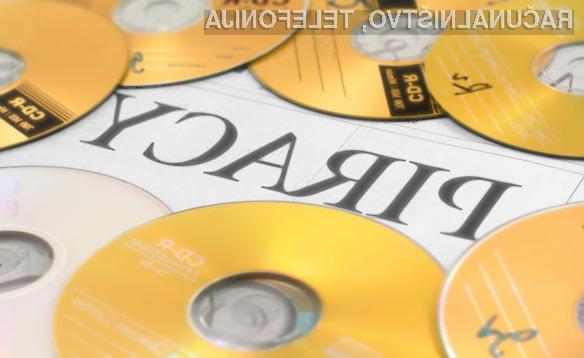 Zaposleni v filmski industriji množično posegajo po piratskih filmskih posnetkih.