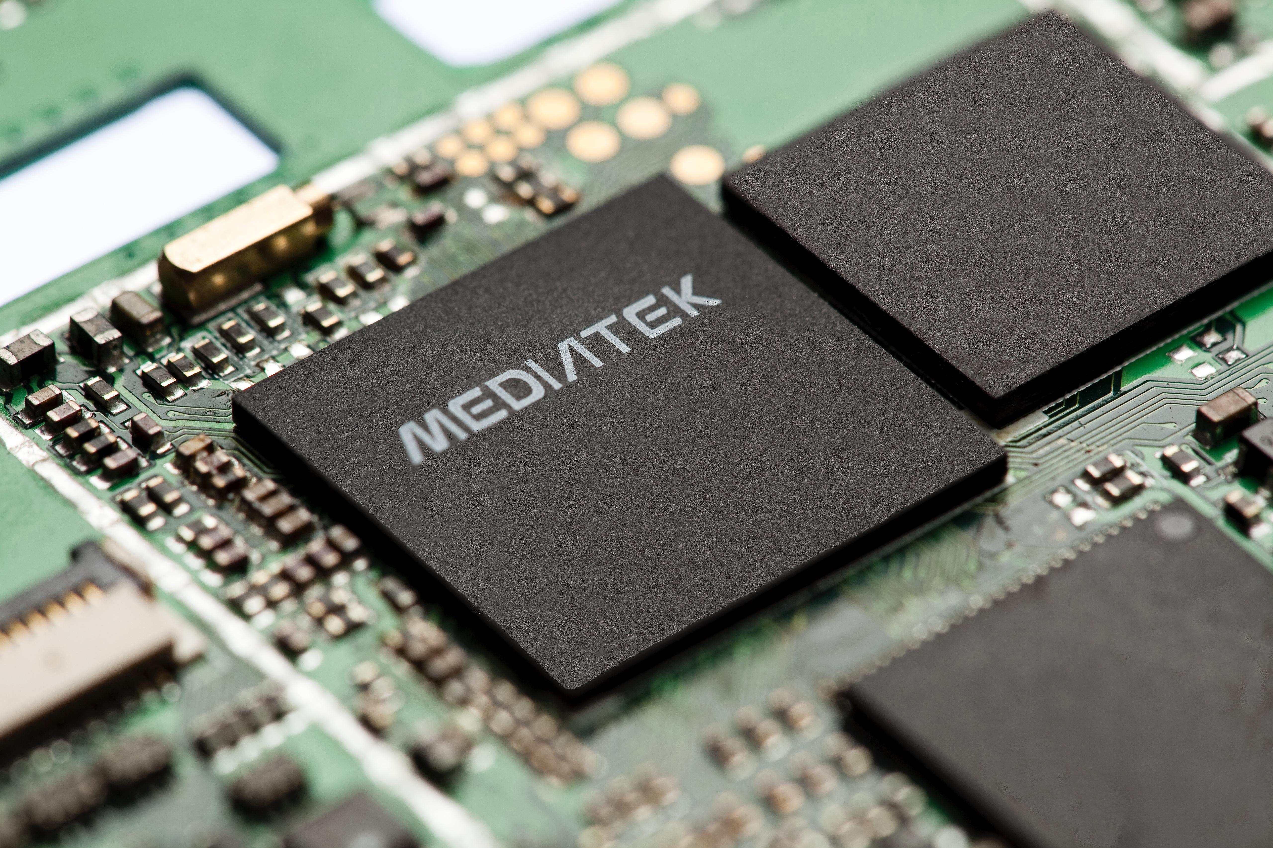 Za zaustavitev in ponovni zagon mobilne naprave s procesorjem MediaTek zadošča le kratko poročilo SMS.