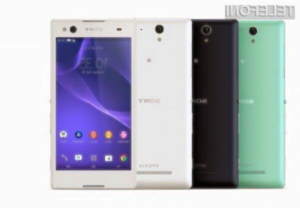 Ljubitelji »selfijev« bodo zagotovo vzljubili pametni mobilni telefon Sony Xperia C3!
