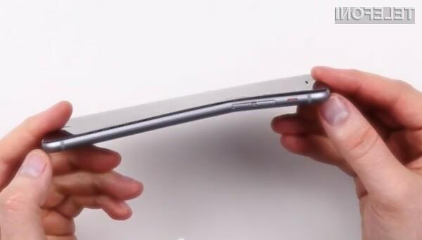 Nošenje mobilnika iPhone 6 v žepu hlač se praviloma ne bi smelo končati z upognjeno in neuporabno napravo.