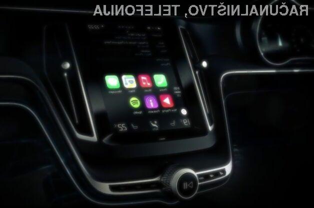 Applov avtomobilski sistem CarPlay so vsi vodilni proizvajalci avtomobilov postavili na stranski tir.