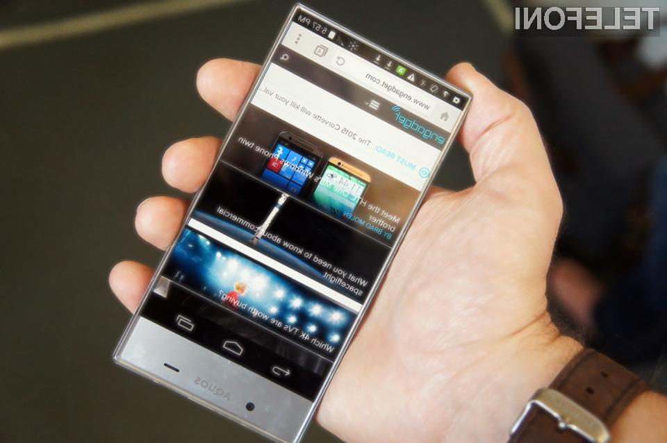Mobilnik Sharp Aquos Crystal je na račun inovativnega zaslona požel že veliko pozitivnih kritik.