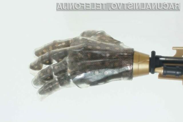 Umetna koža raziskovalcev tehnološkega inštituta iz Massachusettsa je opremljena s kar 400 senzorji na kvadratni milimeter.