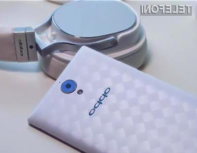 Uporabniki mobilnika Oppo U3 bodo lahko kompaktne fotoaparate kar vrgli v smeti!