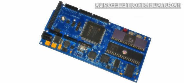Kompaktni računalnik s 37 let starim Intelovim procesorjem je pri delovanju izjemno stabilen!