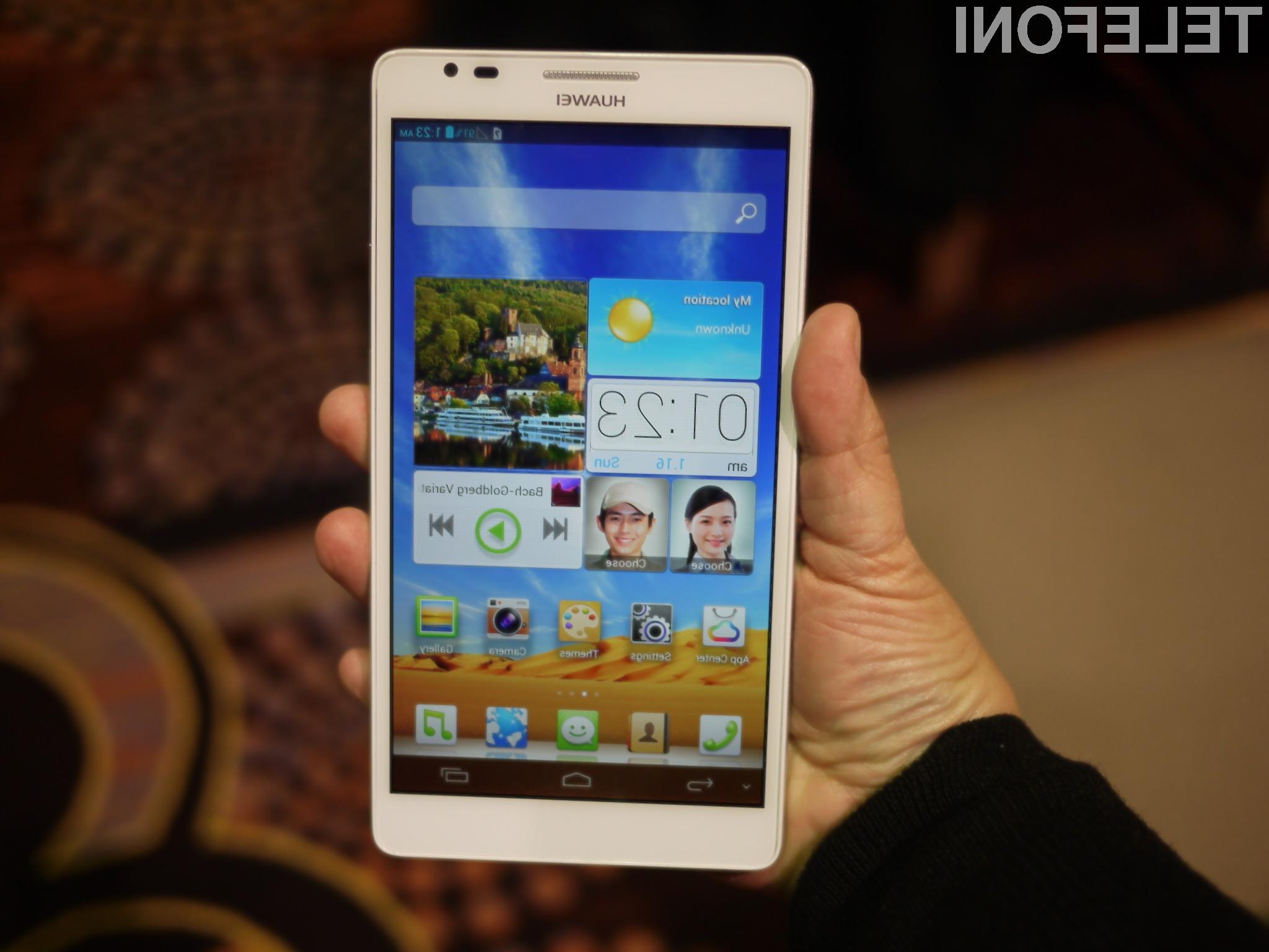 Kupci posegajo po vse večjih pametnih mobilnih telefonih!