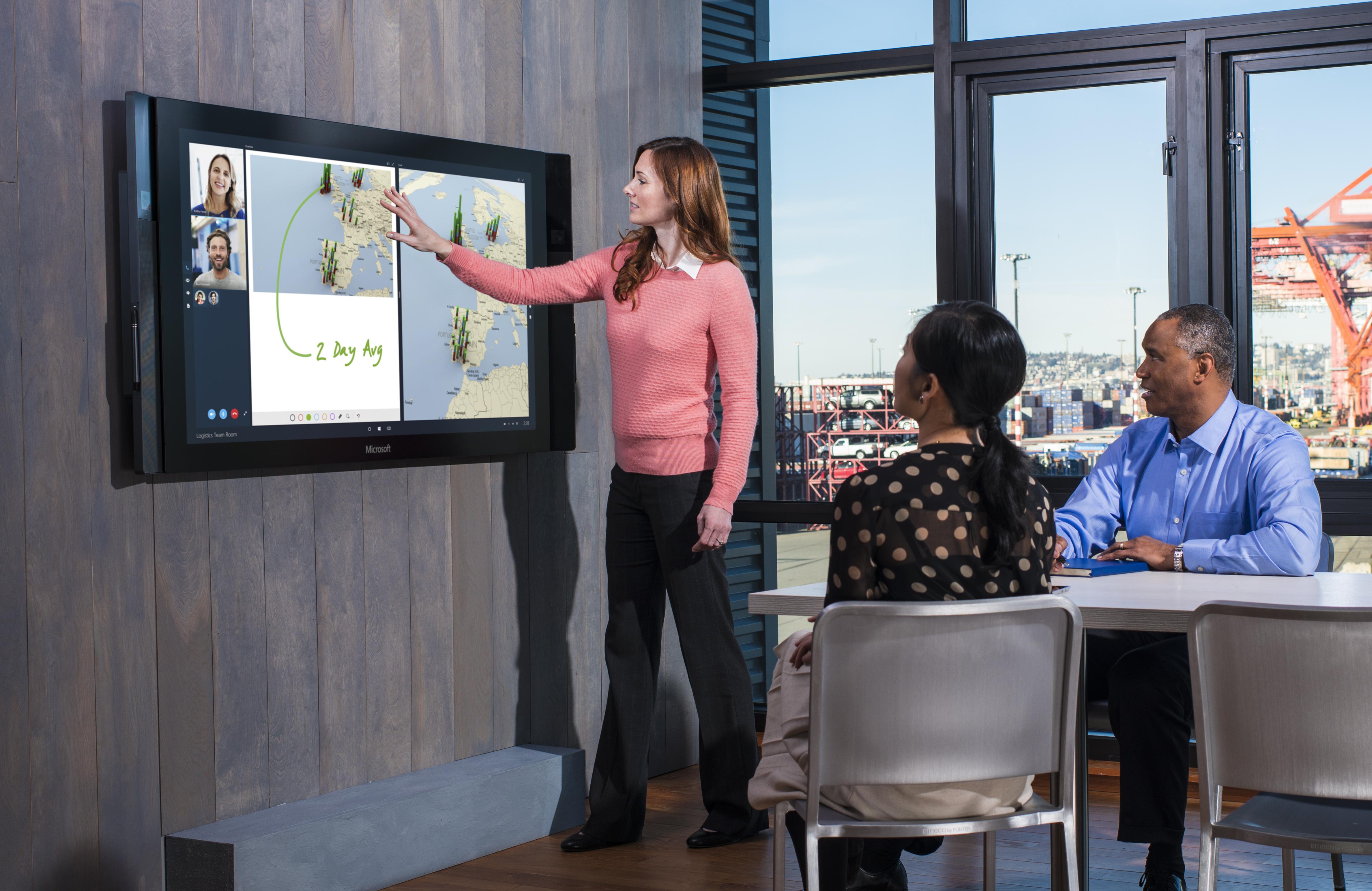 Gigantske tablice Microosft Sufrace Hub bodo namenjene predvsem izobraževalnim ustanovam in podjetjem.