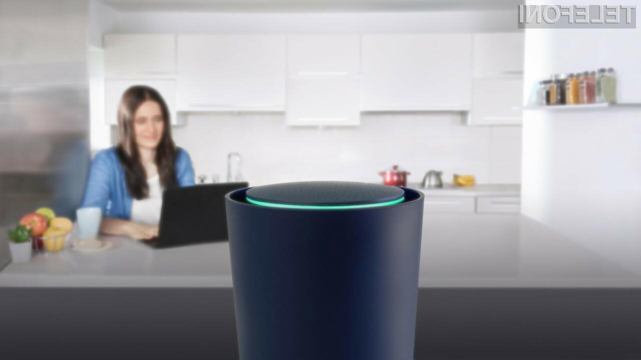 Pametni brezžični usmerjevalnik Google OnHub lahko uporabljamo kar z mobilnikom.
