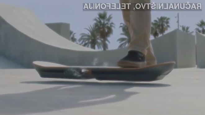Plavajoča deska iz filma Vrnitev v prihodnost Lexus Slide je že navdušila mnoge!