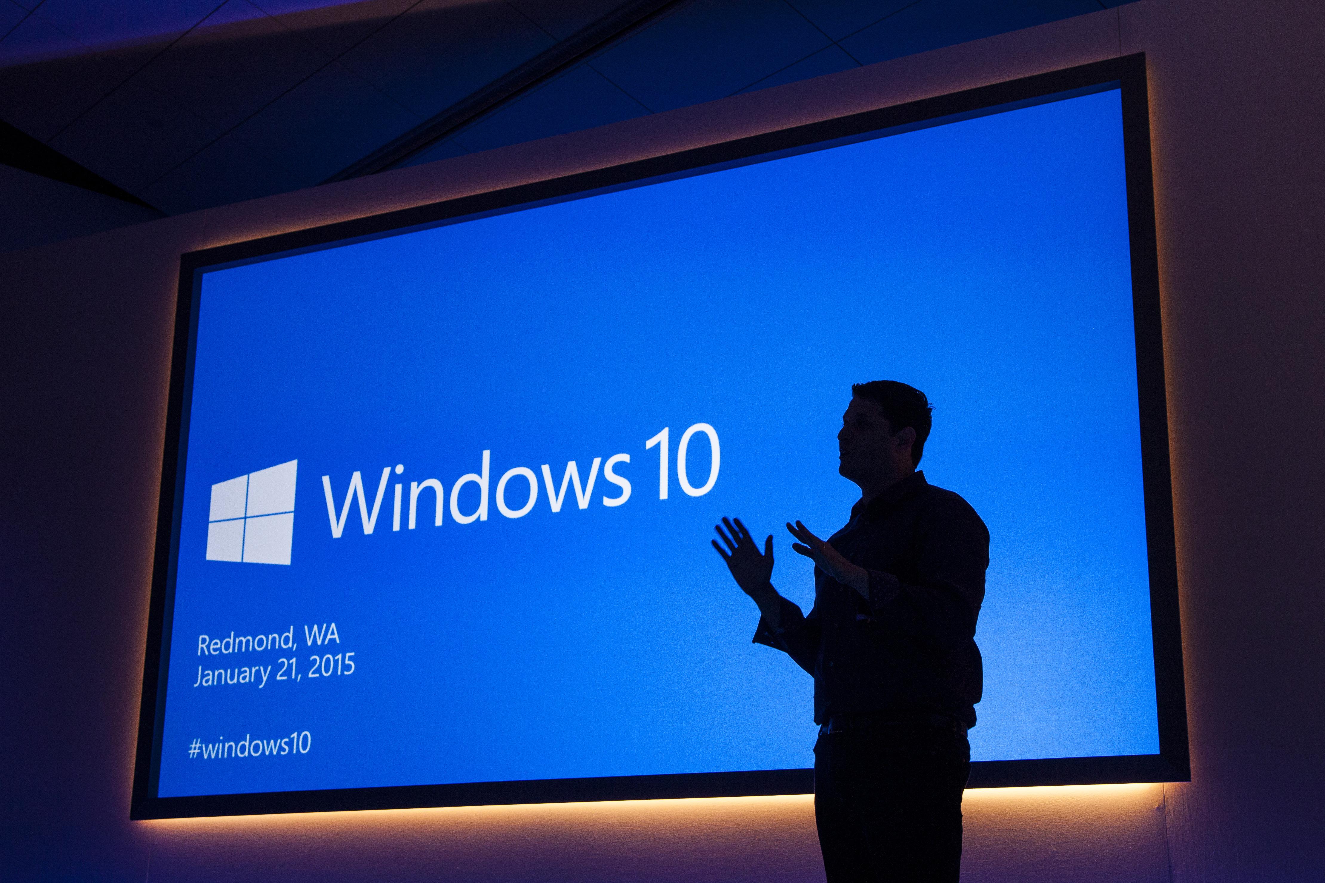 Windows 10 zlahka prepriča uporabnike osebnih računalnikov!