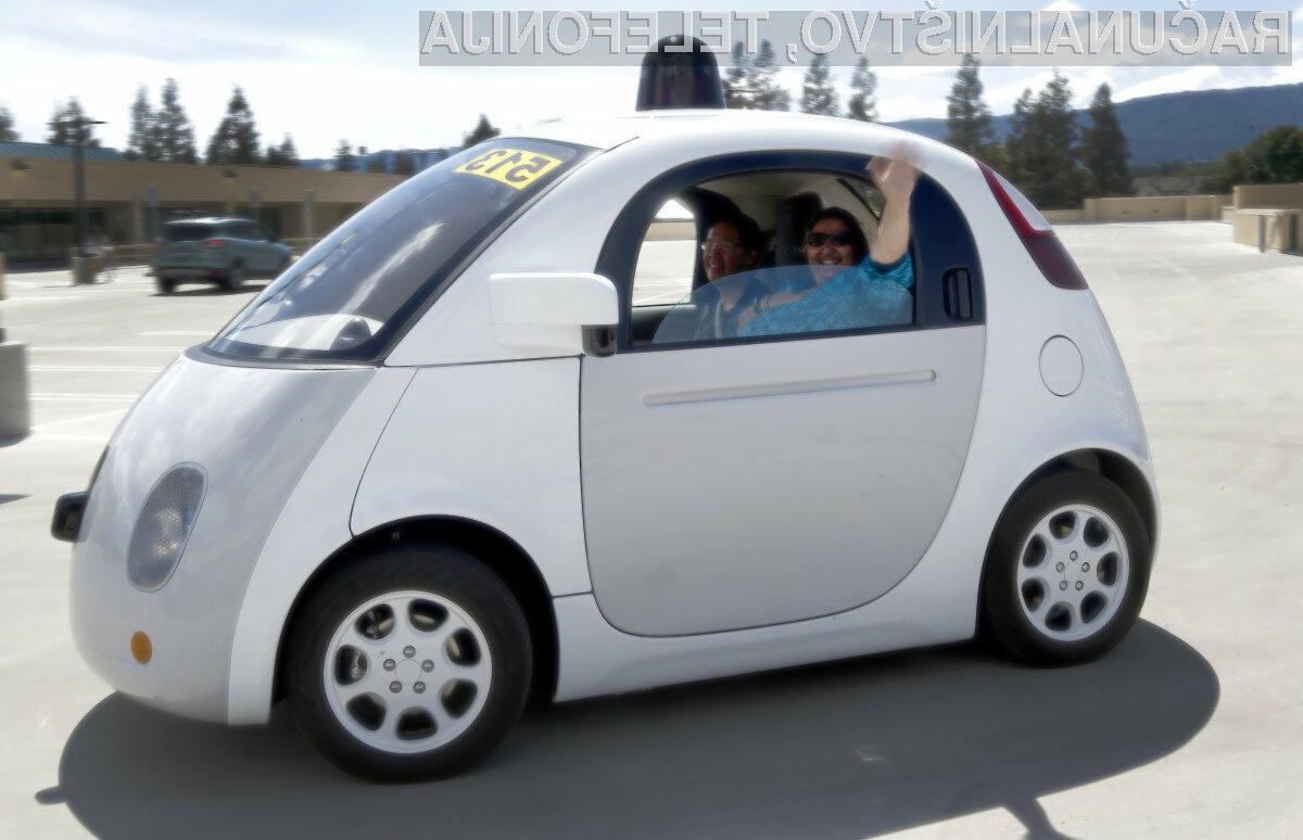 Samovozeči avtomobili so ranljivi na neposredne napade s poceni računalniki.