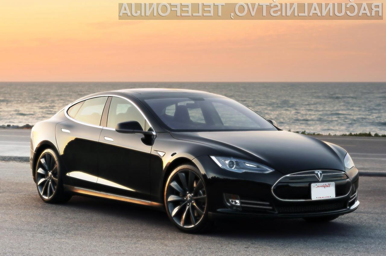 Avtomobilska hiša Tesla je odkrito ranljivost zakrpala s posodobitvijo avtomobilske programske opreme.