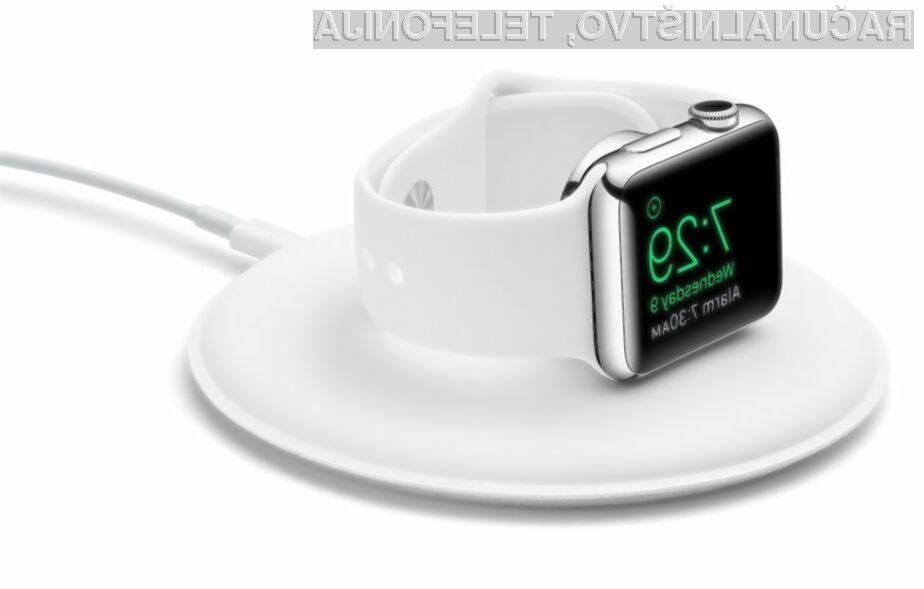 Podstavek Apple Dock za pametno ročno uro Watch je sila uporaben!