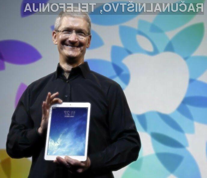 Pri podjetju Apple so prepričani, da je Microsoftov Surface Book neuporaben ker zahteva preveč kompromisov z obeh svetov.