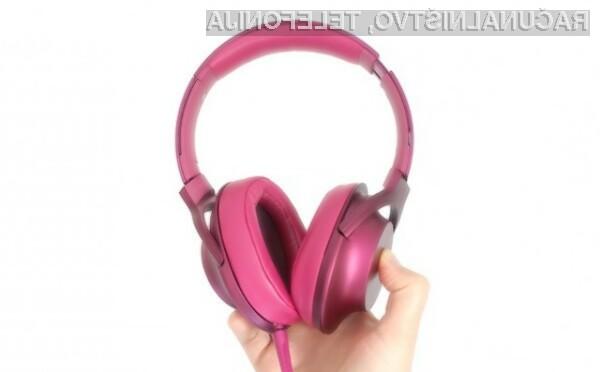 S slušalkami Sony H.ear on bomo uživali v priljubljeni glasbi na vsakem koraku!